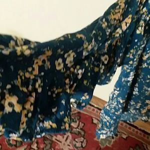 LC Lauren Conrad Tops - NWT Lauren Conrad Ruffle Floral Blouse